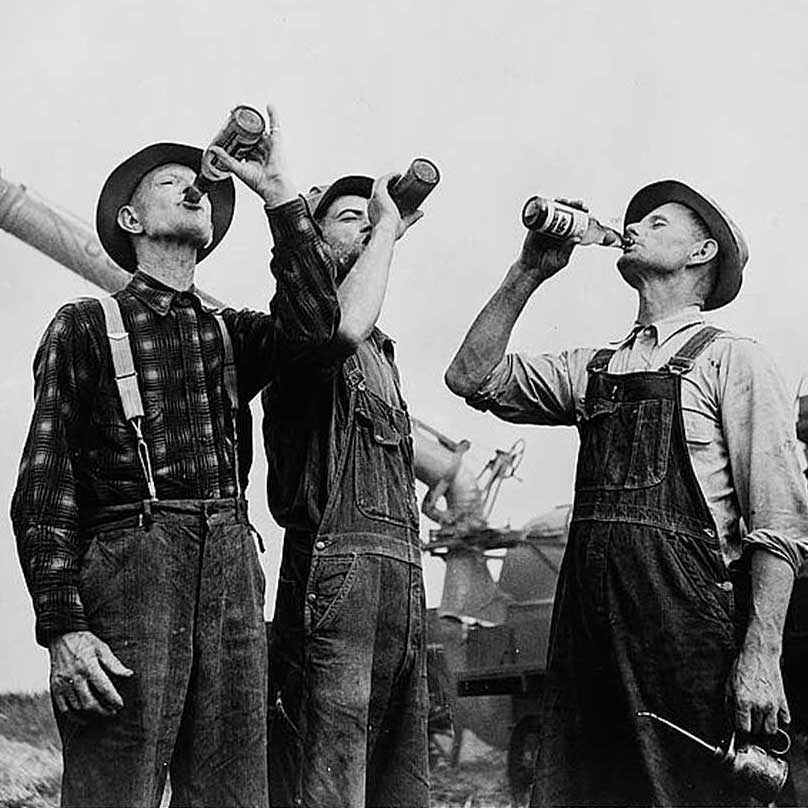 farmers-drinking-square.jpg