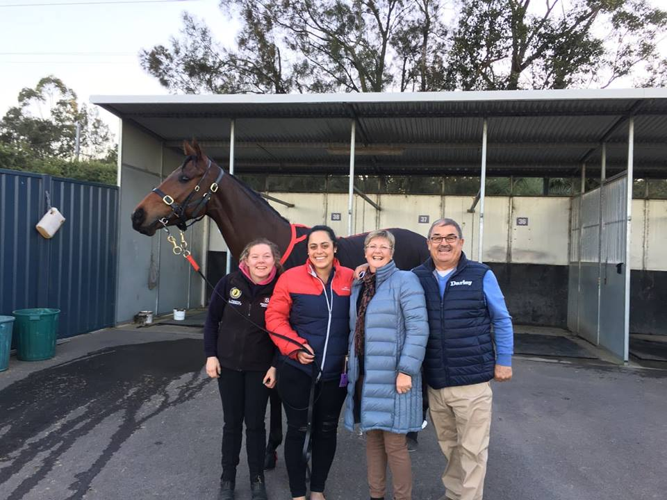 Lady I Am after her win pictured with Ella and Lindy from Snowden Racing and Deb & Mike