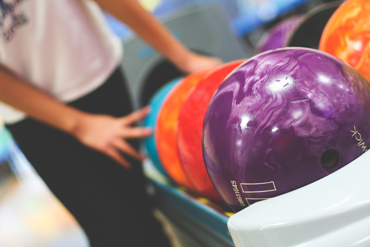 bowling.lightstock_323577_small_user_43214495.jpg