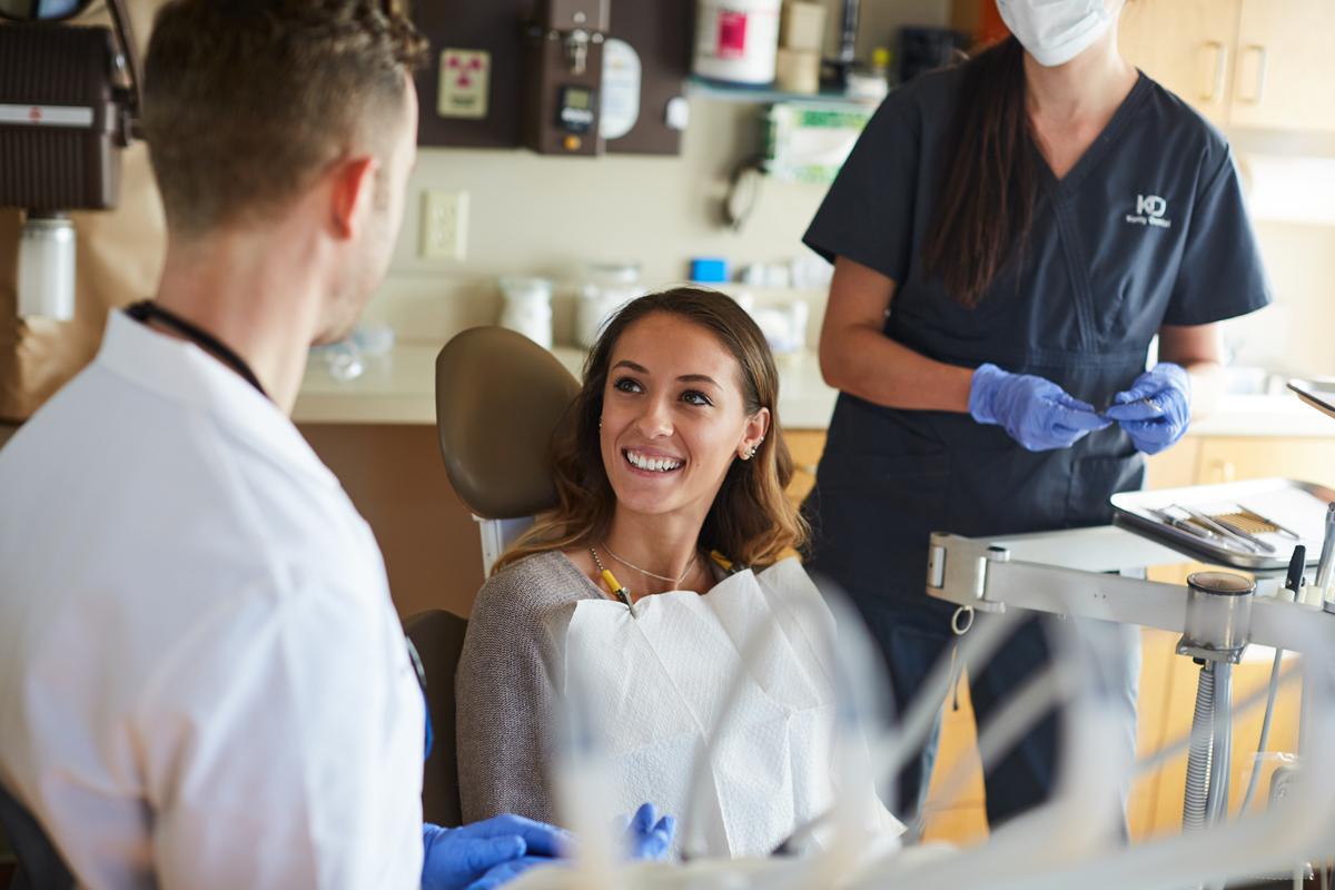 dentist.lightstock_403052_small_user_43214495.jpg