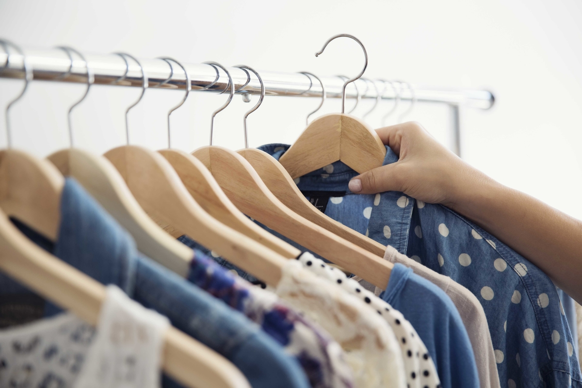 clothes.lightstock_258862_small_user_43214495.jpg