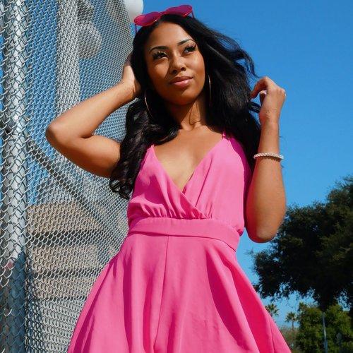 Jenae Epson  Vocalist, Dancer, Model, Enterpreneur   Instagram
