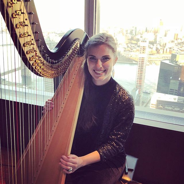 @oandeband duo performance at @manhatta_nyc #singingharpist #jazz #frenchmusic #pop #band