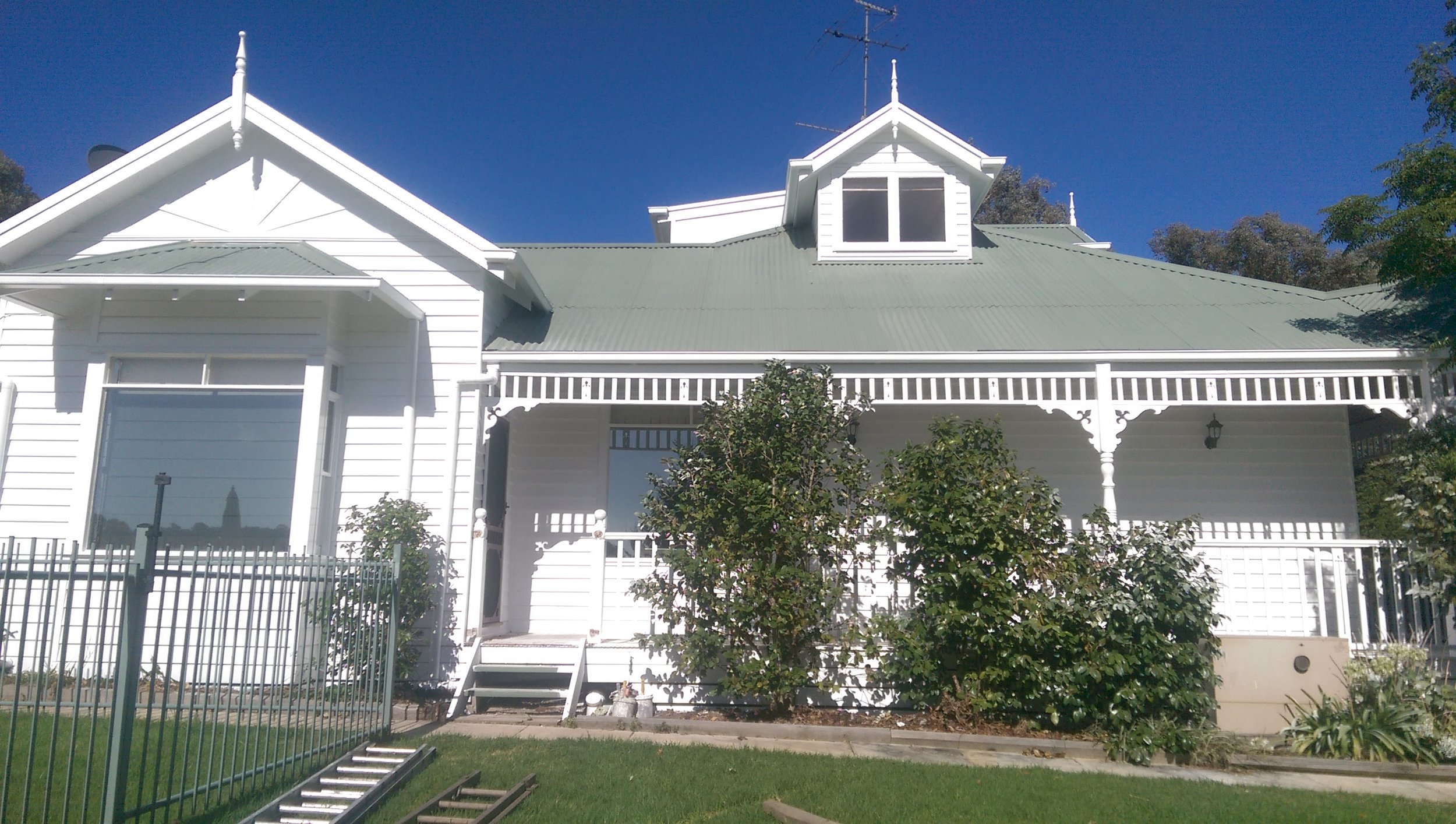 Exterior repaint to a Farm House in Kangaroo Ground