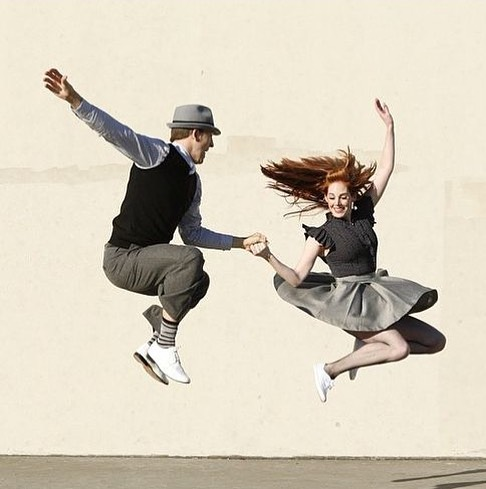 It's Thursday, which means we are throwing it waaaaaay back. So far back in fact, that we've landed in the swing dancing era!  Join our good friends at @milliganclrc for an awesome swing dancing class - no experience required, no partner required, and vintage fashion optional. 💃🏻🕺🏻 . . Find out more on our Facebook!
