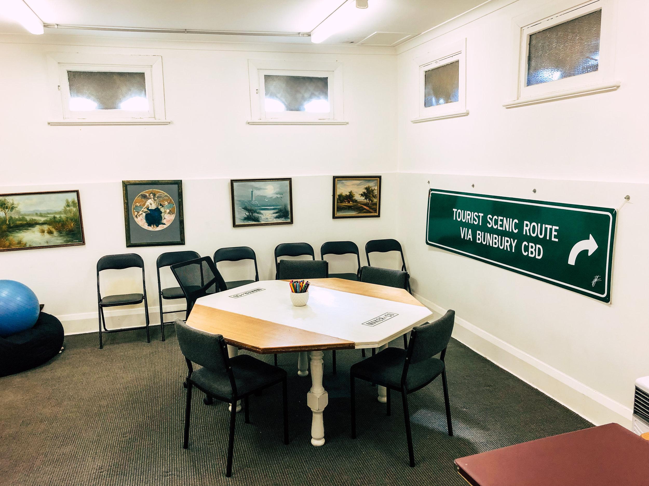 meeting room - Capacity 15