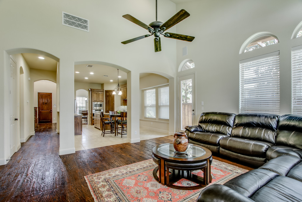 2 story ceilings in Living w Open layout & lots of Natural light.