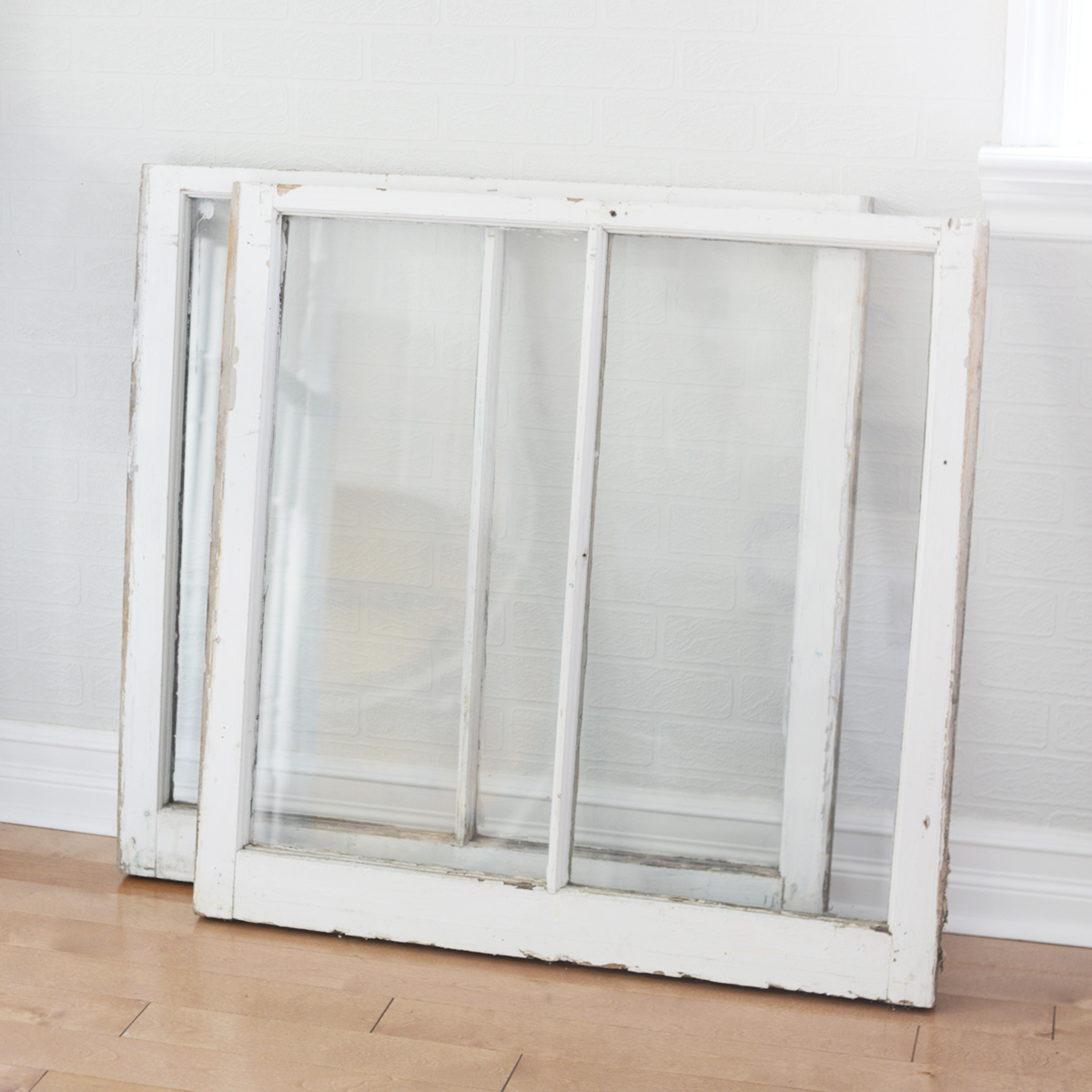 "32"" x 32"" window"