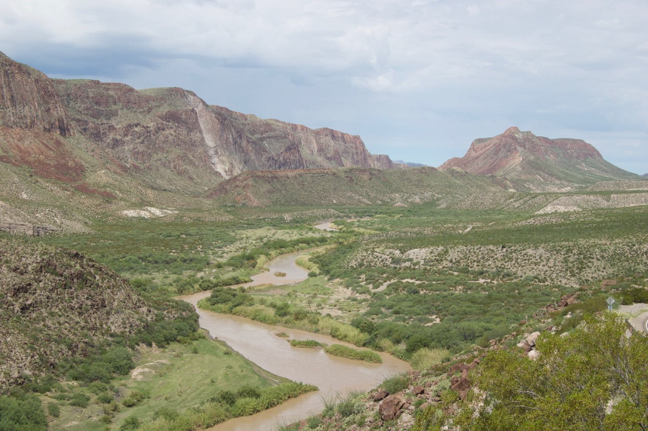 Rio Grande/Rio Bravo, viewed from the River Road, Highway 170, TX