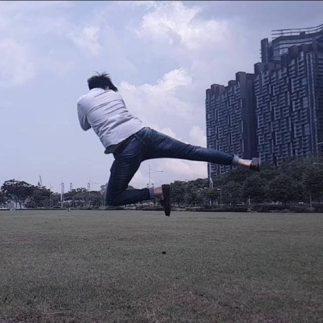 Here's a photo from our recce! Our big boss, Sun Ji trying to impress us with his flying kick. (Maxi would sure laugh at this).