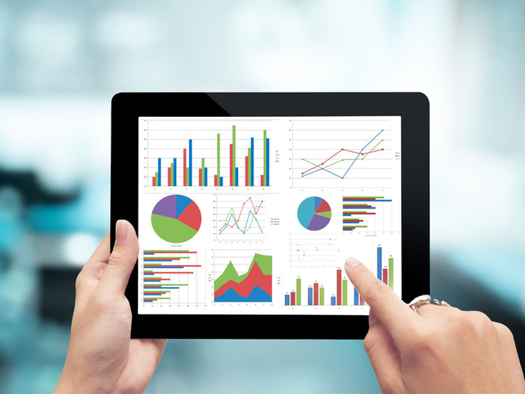 portfolio-800x600_digital-tablet-hands-graph-planning-economic-business-success_44707381.jpg