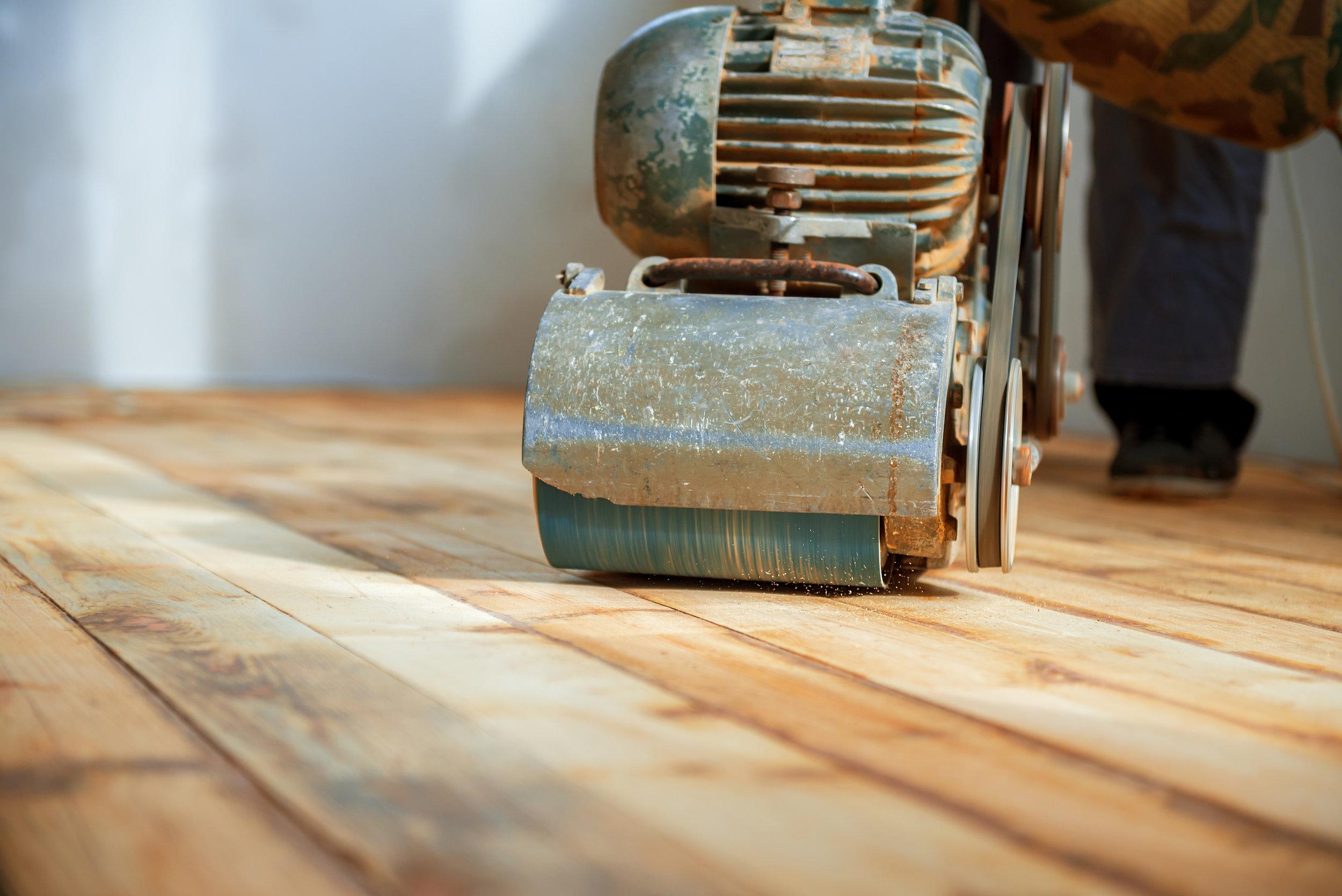 Reinigung & Sanierung -