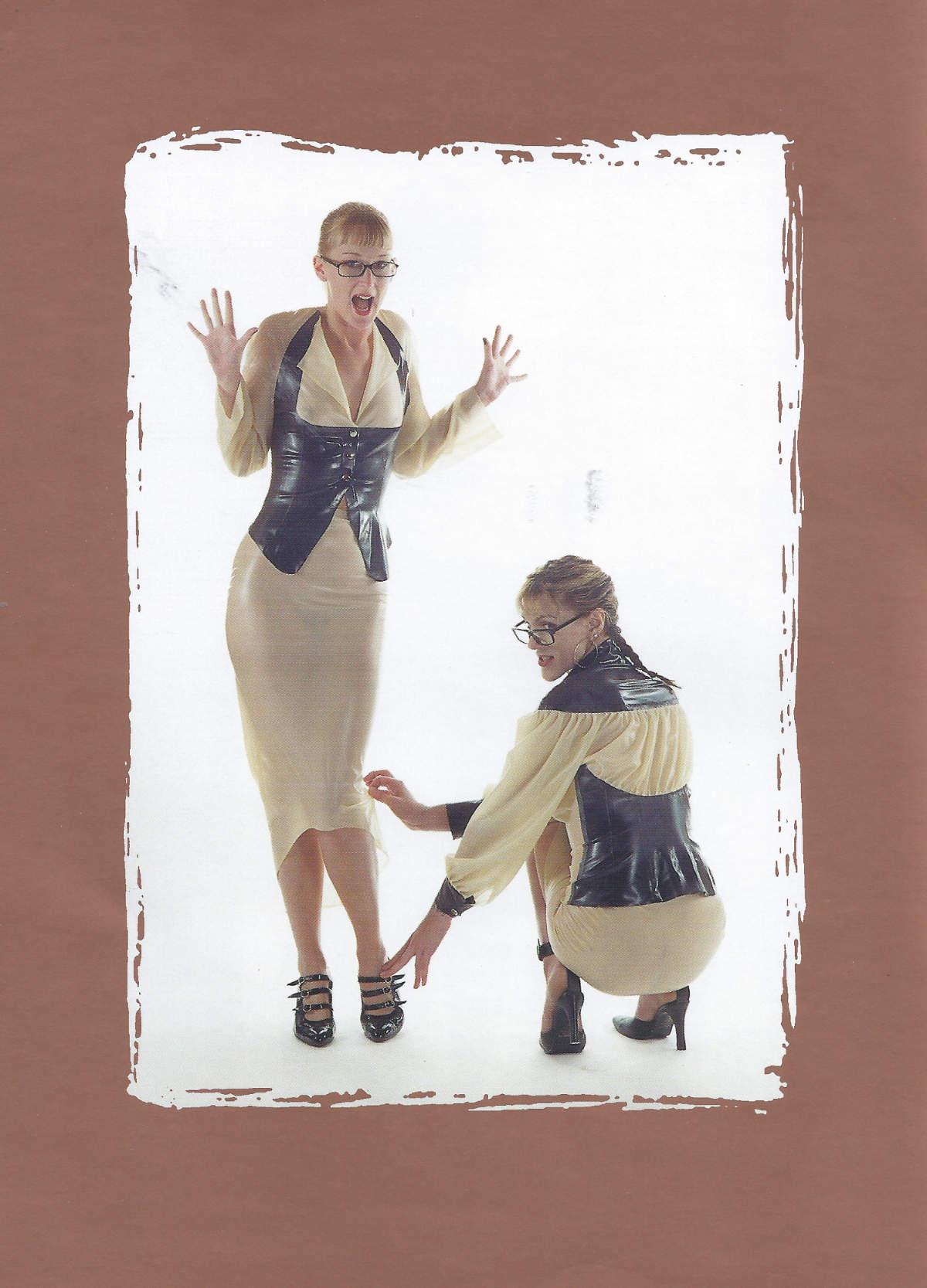 2 fashion latex couture.jpg
