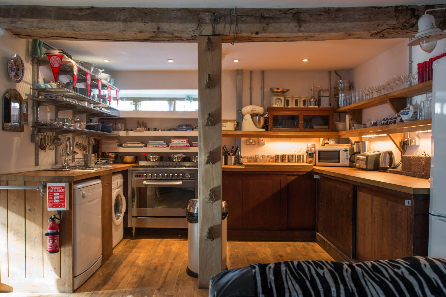 lower malt house kitchen (2).jpg
