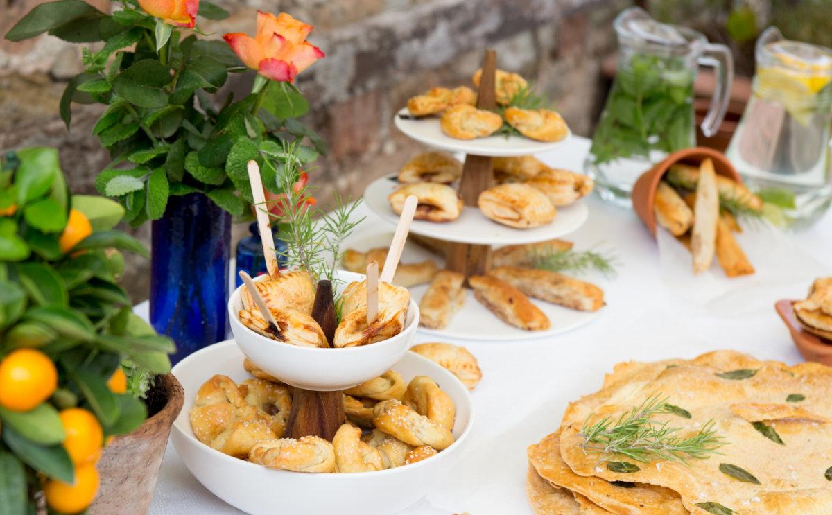alfresco-dining-bordello-banquets.jpg