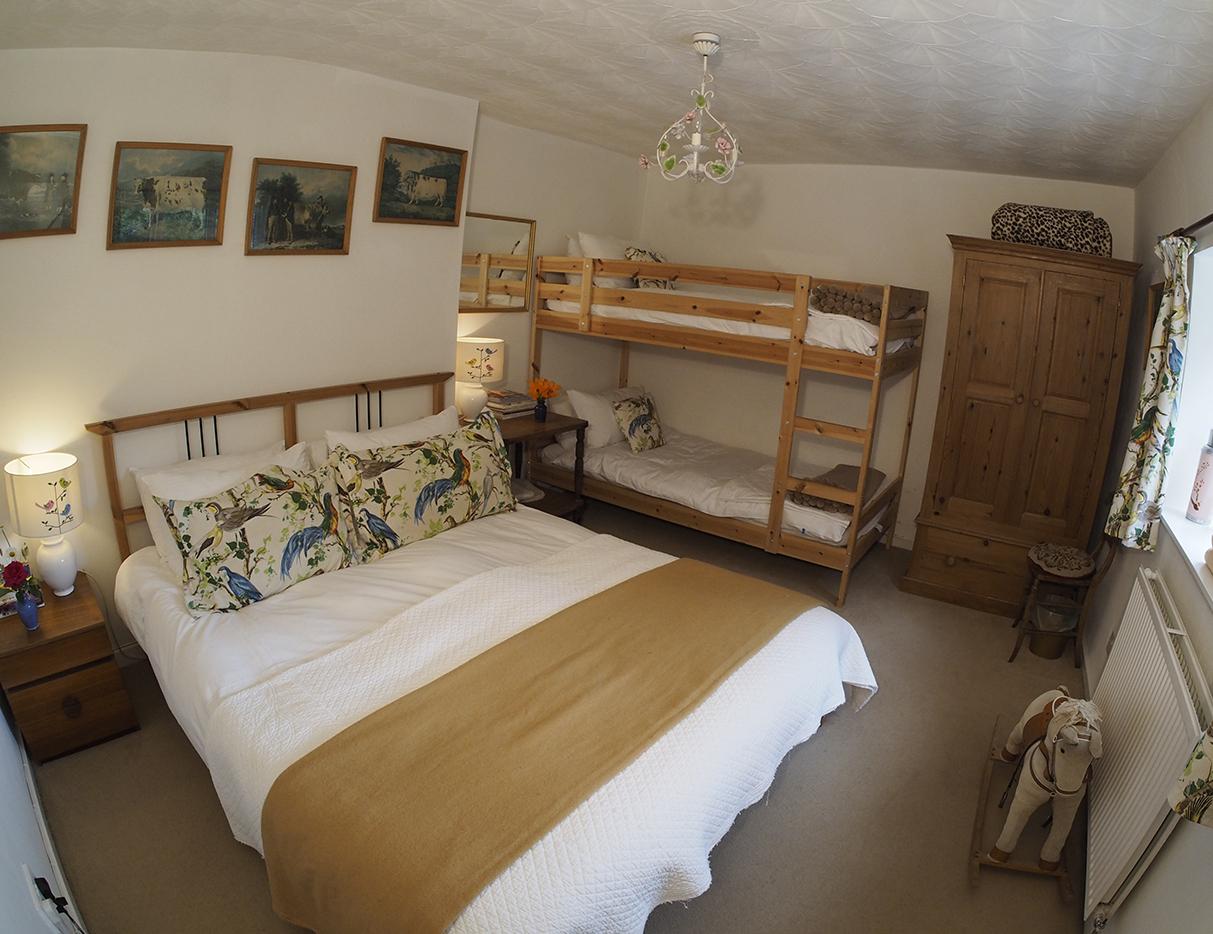 george cottage june 18 EM5 (23).JPG
