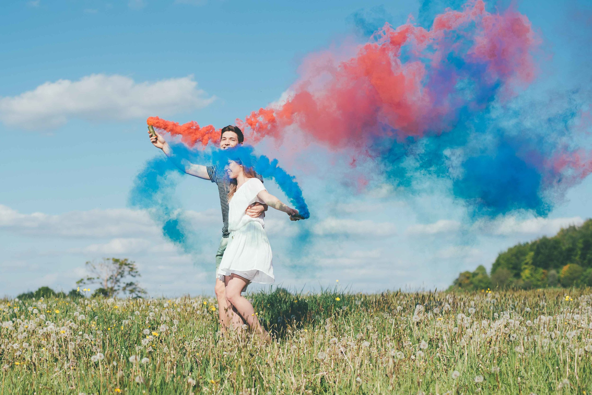 Chloe + Joe - Smoke bomb shoot, Wiltshire