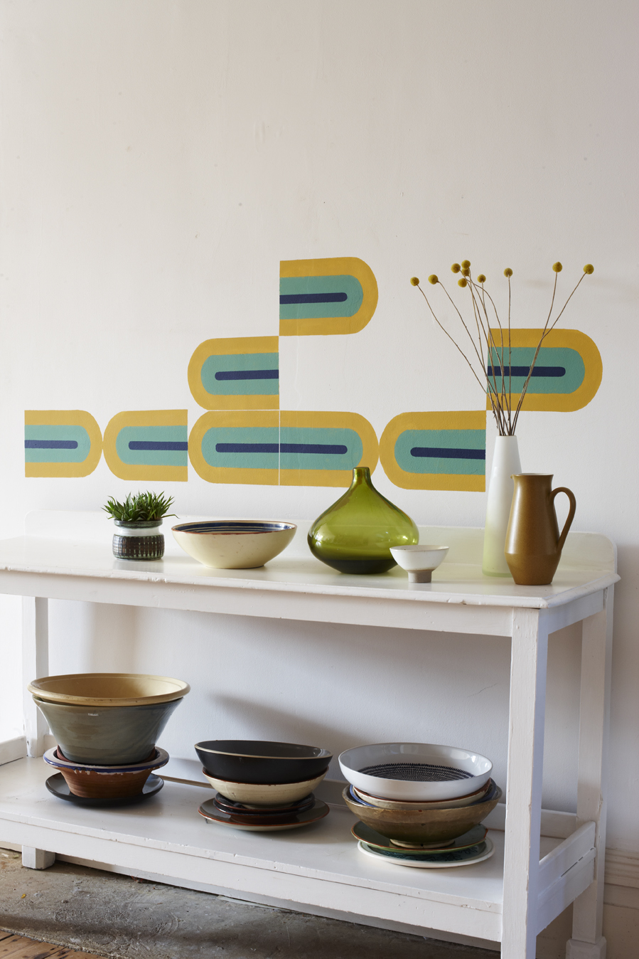 CB945_WALLART_STYLISH_STENCIL_1.jpg