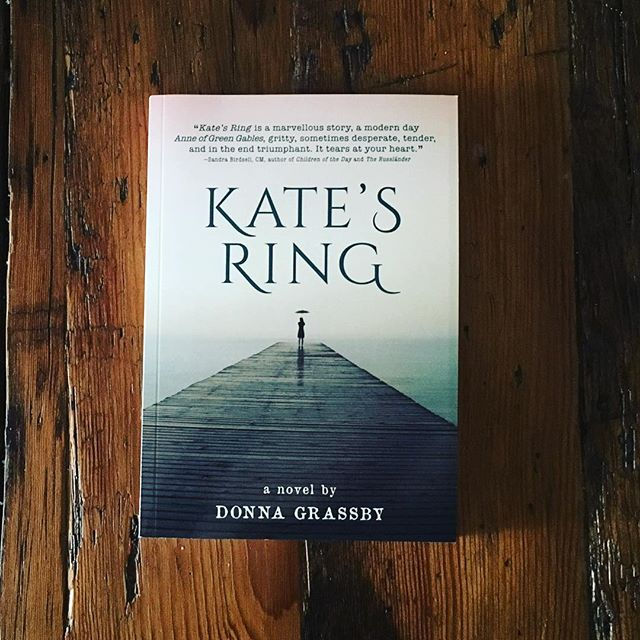 Kate's Ring makes a great gift for that young person in your life... or even just for yourself! Don't forget to order it in time for the holidays! (Link in bio)  #katesringbook #donnagrassby #canadianauthor #holidaygift #youngadultbooks #yafiction
