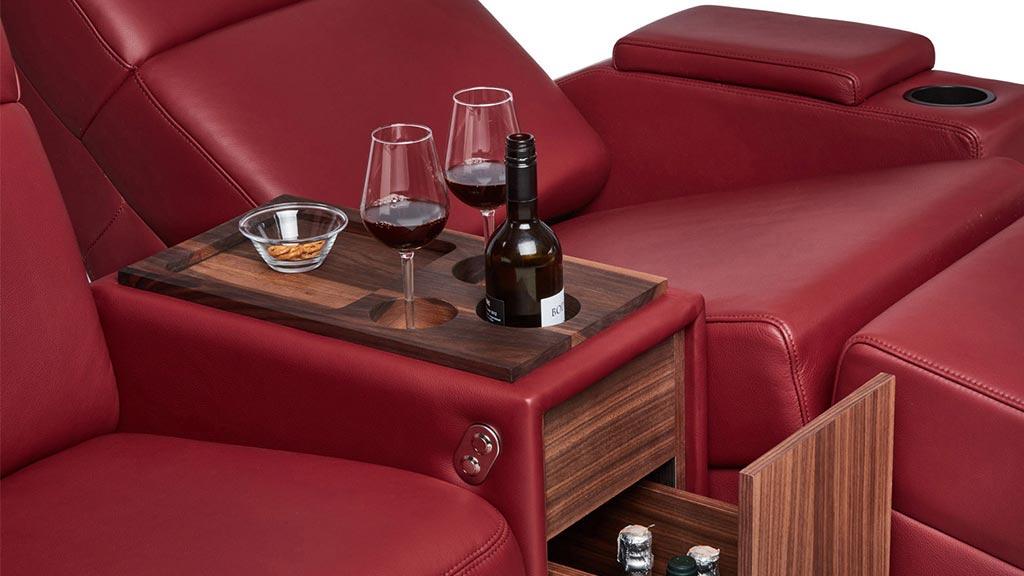 features-snack-armrest-storage