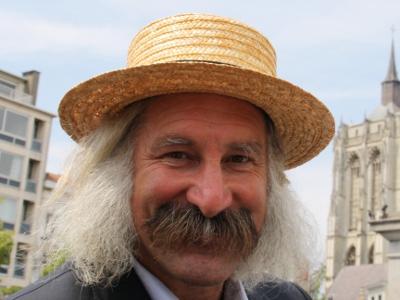 """2011: Ludwig Lenaerts   Was meer dan 20 jaar figurant in de populaire TV-serie """"FC De Kampioenen"""""""