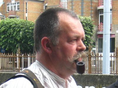 """2014: Hans Bombeke   Voorzitter van het Antwerps BierCollege, leerkracht cursus """"Bierkenner"""" in het volwassenenonderwijs, medewerker aan biertijdschriften zoals de Antwerpse BierCourant"""