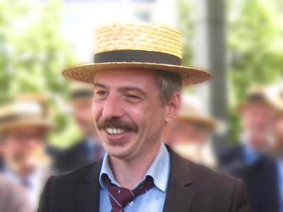 """2015: Jan Matthys   Gents mediafiguur, bekend van o.a. """"De Ideale Wereld"""" op VIER, en als  homo turisticus  in """"Is't nog ver?"""""""