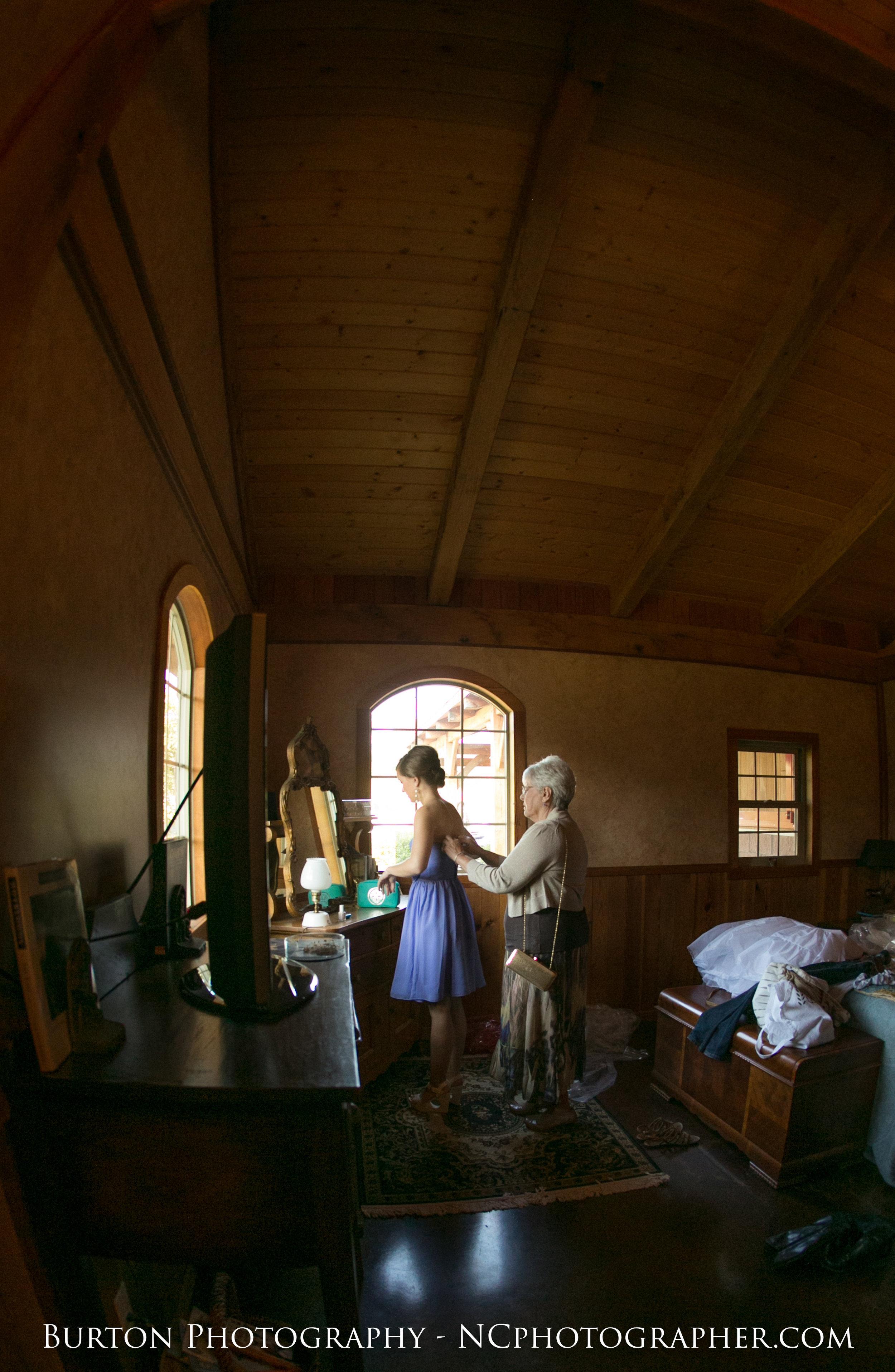 Bridal Suite NC Barn Wedding Photo.jpg