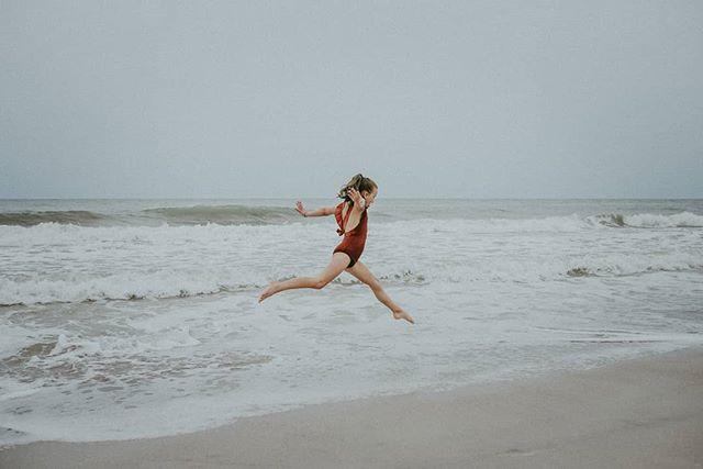 Missing this beach everyday. . . . . #igmasters #peoplescreatives #lifeofadventure #artofvisuals #chasinglight #momtogs #justgoshoot #agameoftones #moodygrams #makemoments #unraveled_expert_artist #quietthechaos #instagoodmyphoto #wildandbravelittles #dearphotographer #clickinmoms #kidsofinstagram #beunraveledftf #radpresets #beunraveled #lookslikefilm #dearphotographer  #inbeautyandchaos #theilluminatedartist