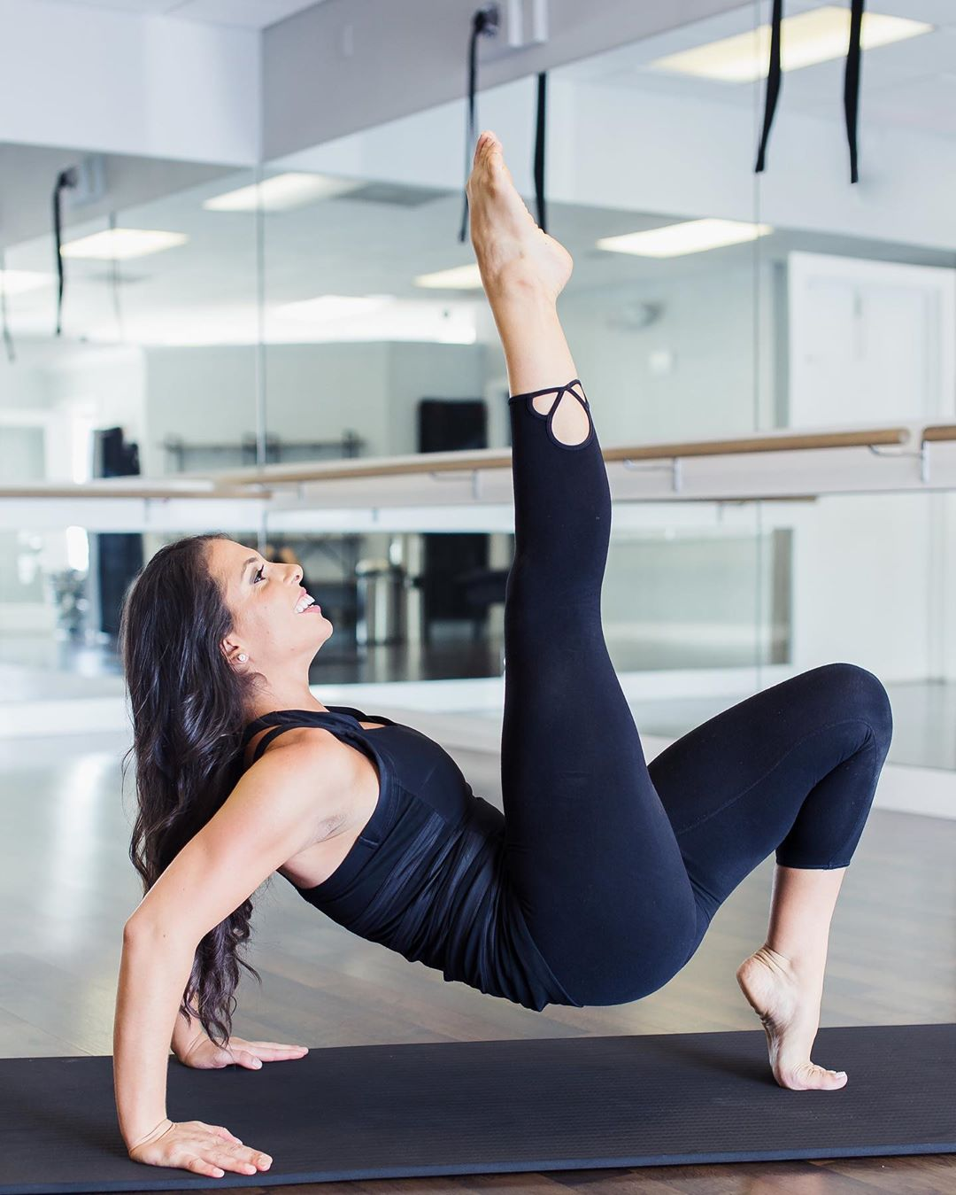 Ginelle Ruffa    @ginelleruffa   Bounce Fit - Friday, October 11 at 6:30pm  Poolside Pilates - Saturday, October 12 at 9am