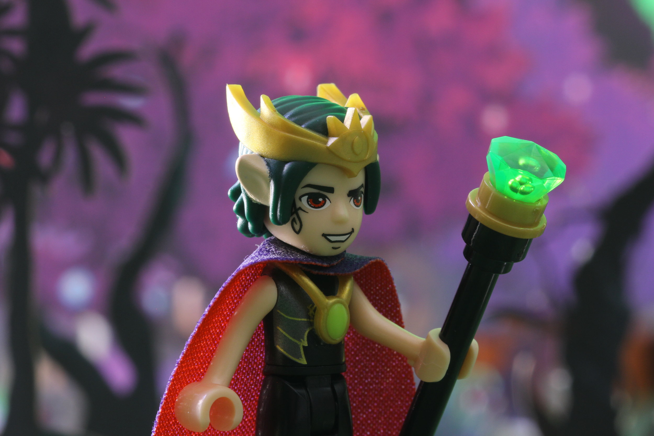 LEGO Elves - The second part of the story, displaying the other new set.