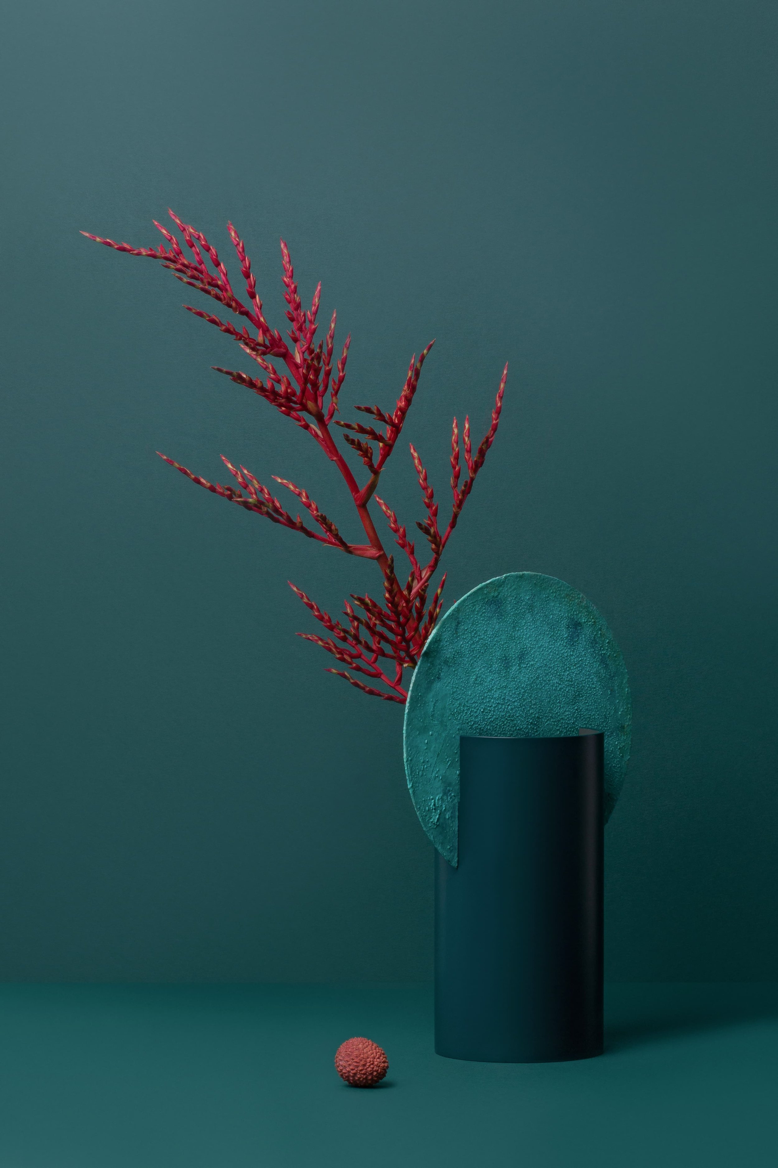 PIECE OF ART - Even an empty vase will always look like a small art object in your house.