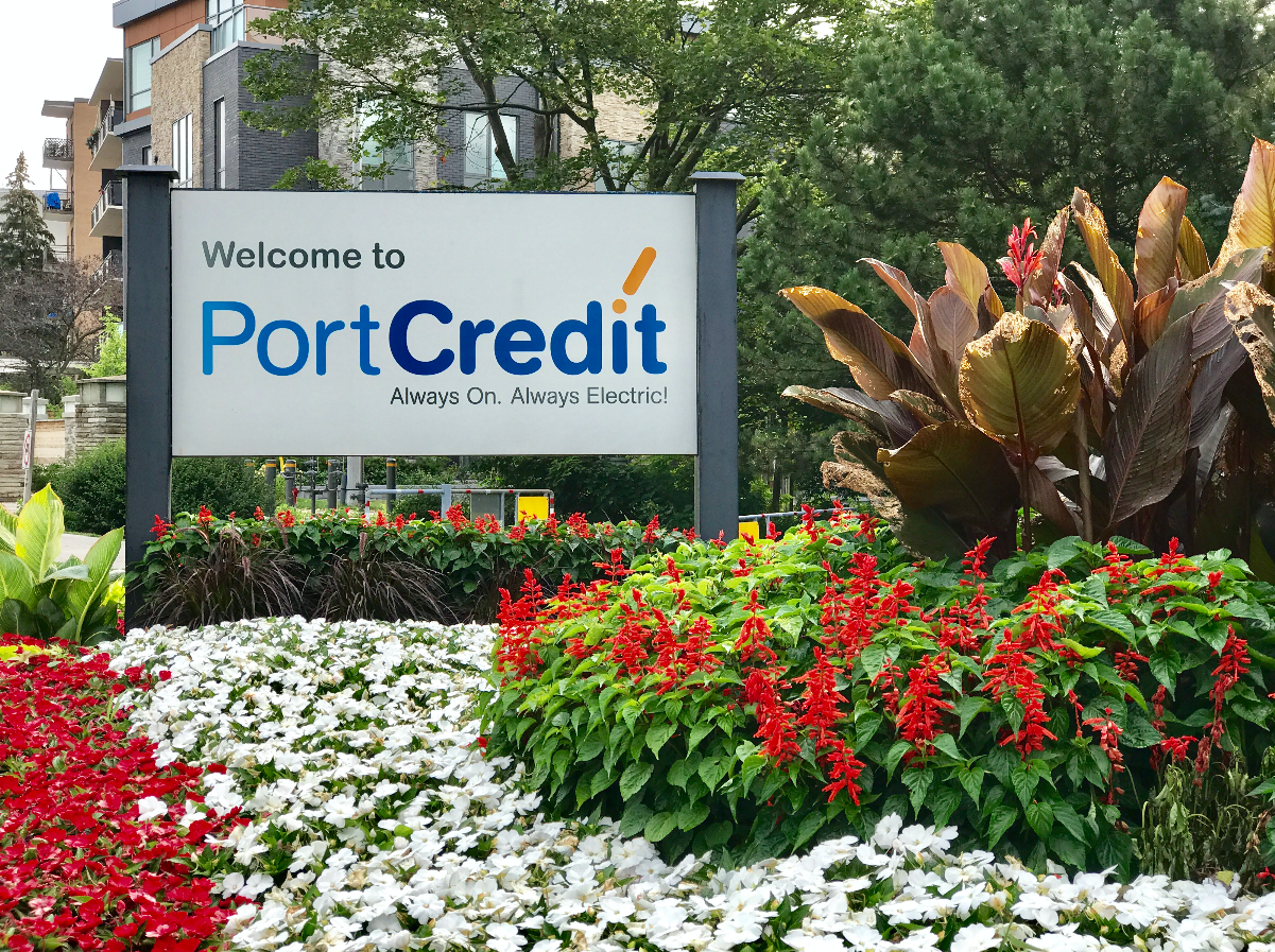 Port_Credit_Sign.png