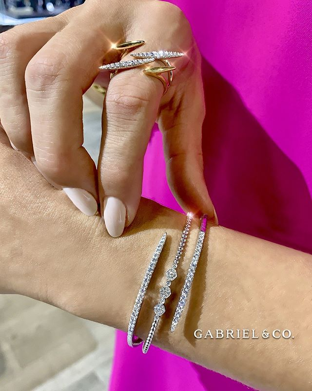 Put on a pop of fresh, vibrant color on any outfit and radiate your summer style with staple jewelry pieces!  #diamondring #diamondbracelet #ring #bracelet #gabrielandco #summer #radiant #finejewelry #jewelry #milanojewelers #pembrokepines