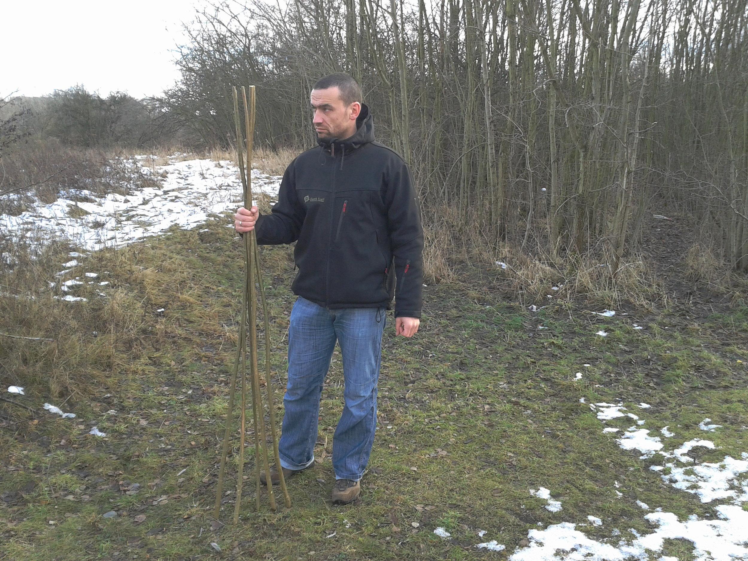 Bushcrafting / Survival: Material für Behelfsschneeschuhe