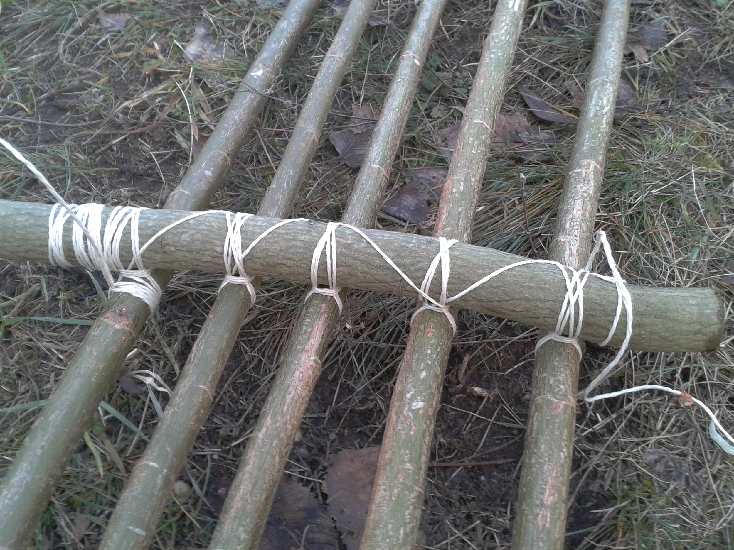 Bushcraft Skills: Fixieren des Balance-Holzes