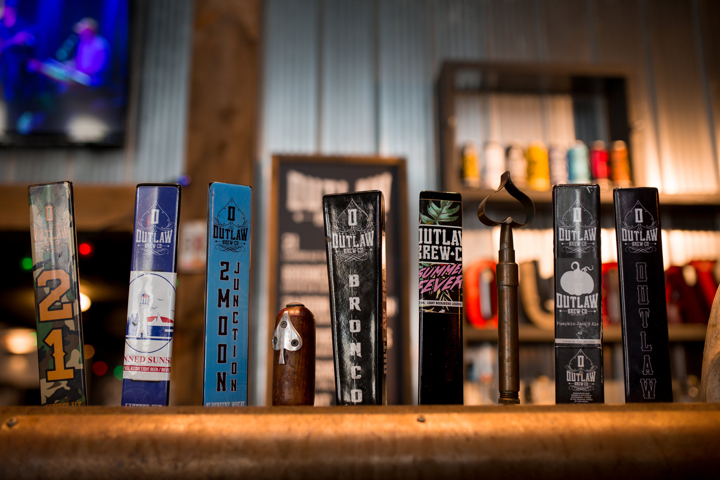 The Outlaw Brew collection includes;  21 Lagered Ale; Southampton Canned sunset; 2Moon Junction BlueBEERy Wheat; Outlaw BRONCO Copper Ale; Summer Fever IPA; Bandit Dark Ale; Sheriff IPA and; Southern Lass