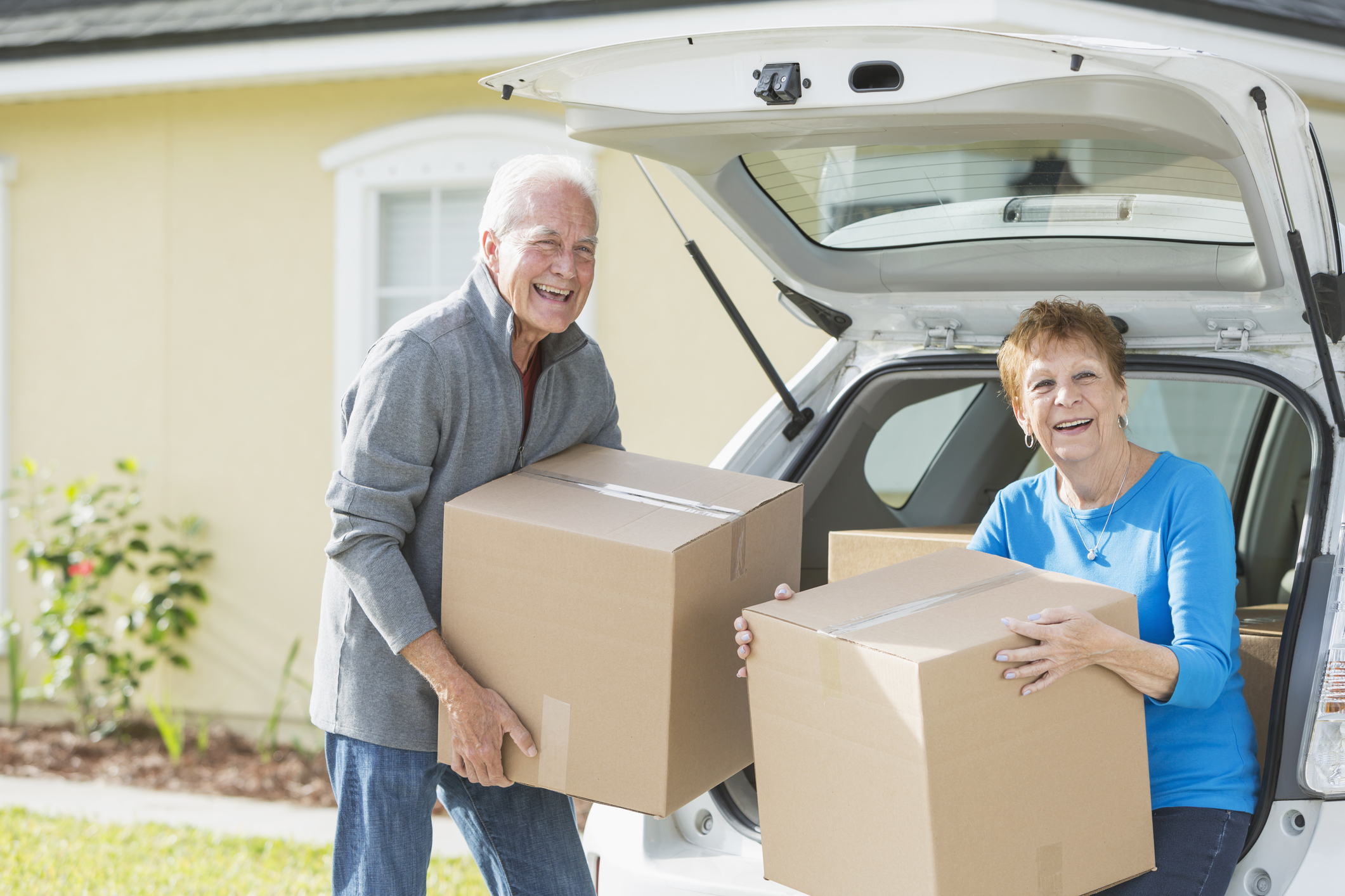 downsizing - Working with families and seniors to downsize to a smaller home, apartment or assisted living facility.Downsizing possessionsSpace allocation for use of current furniture in new locationPacking, unpacking and organizing