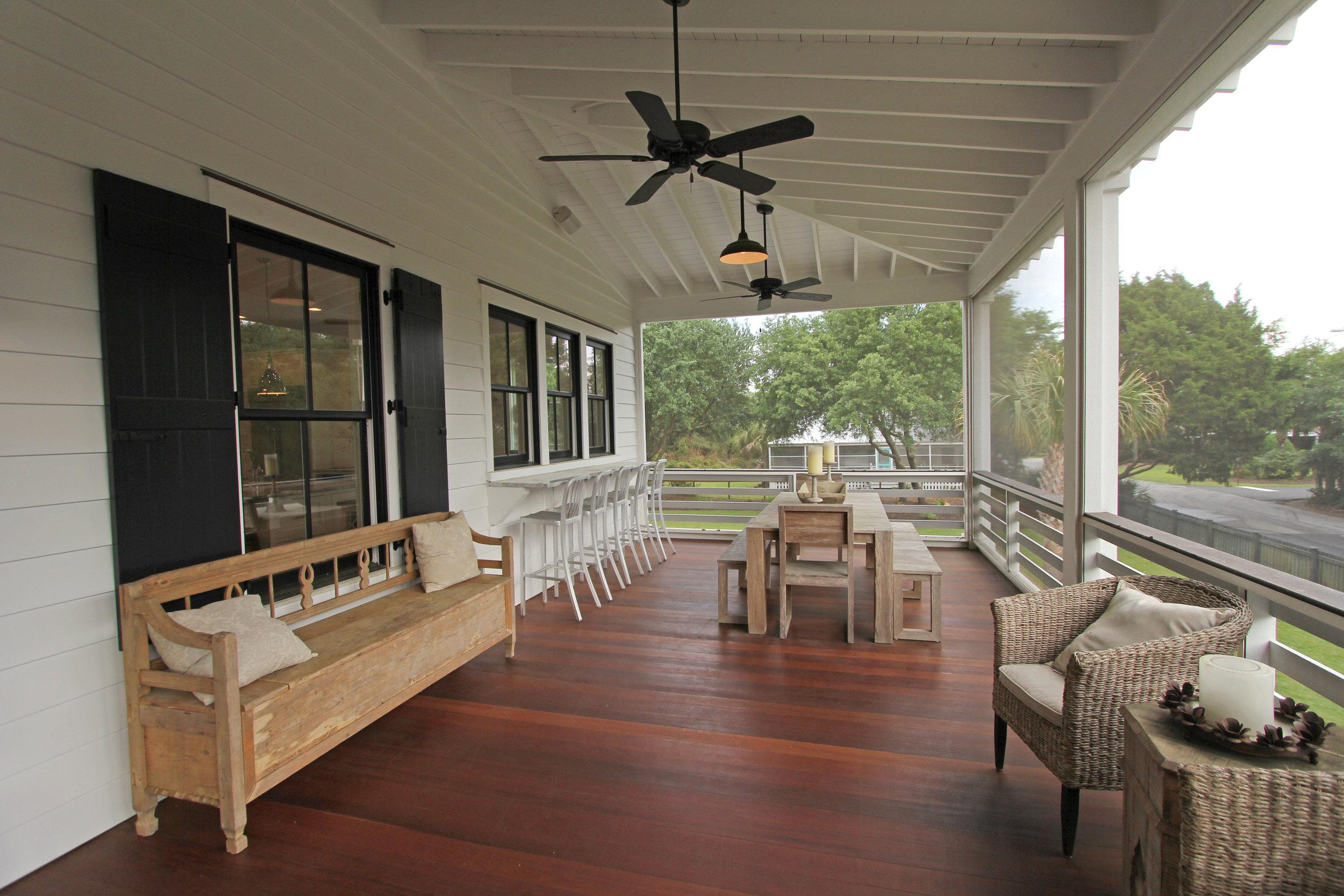 screen porch - view 3.jpg