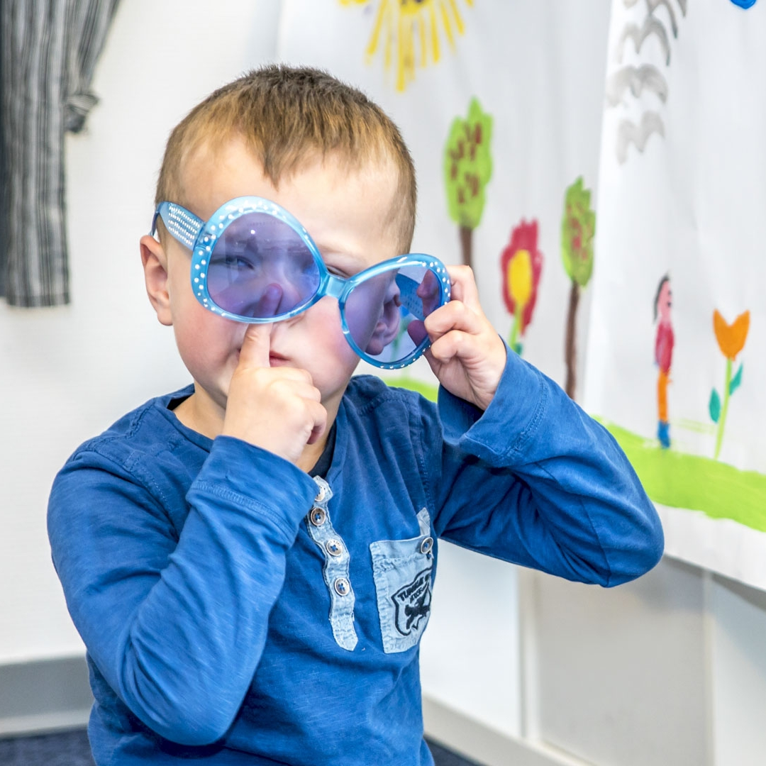 Out of school care 4-12 years - Doing their own thing after school but be inspired as well by our team to discover new things, socialise and enjoy time with your friends. Let that creativity flow, because we choose to inspire children.