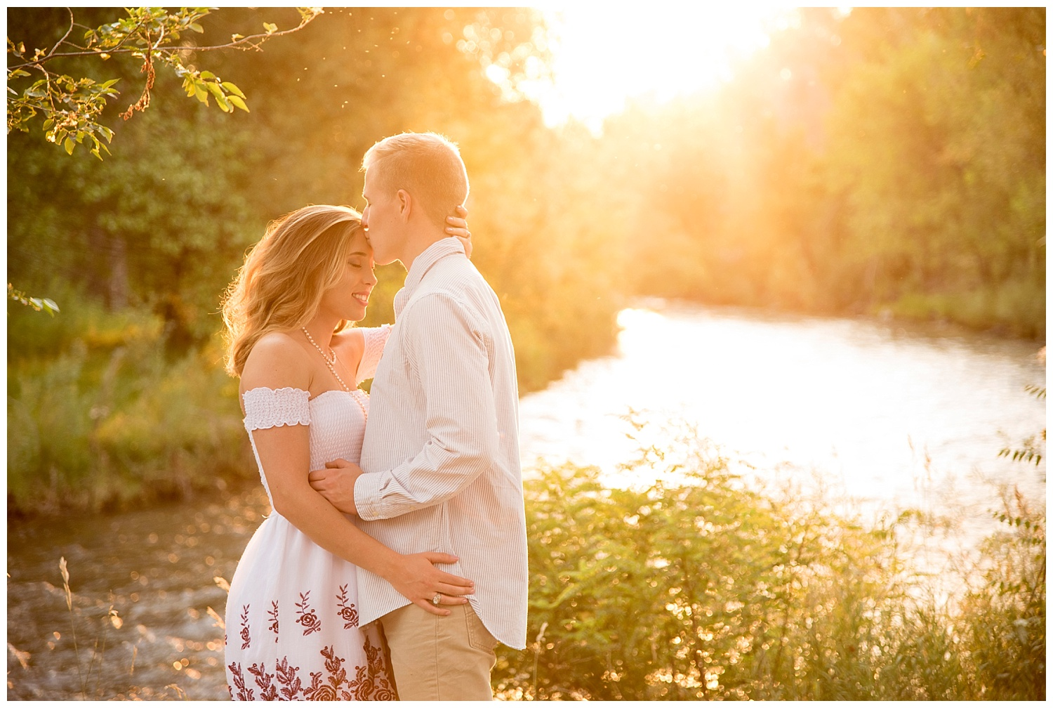 Sunset_Farm_Engagement_Session_Inspiration_Photography_Wildflowers_River_Colorado_Photography_Denver_010.jpg