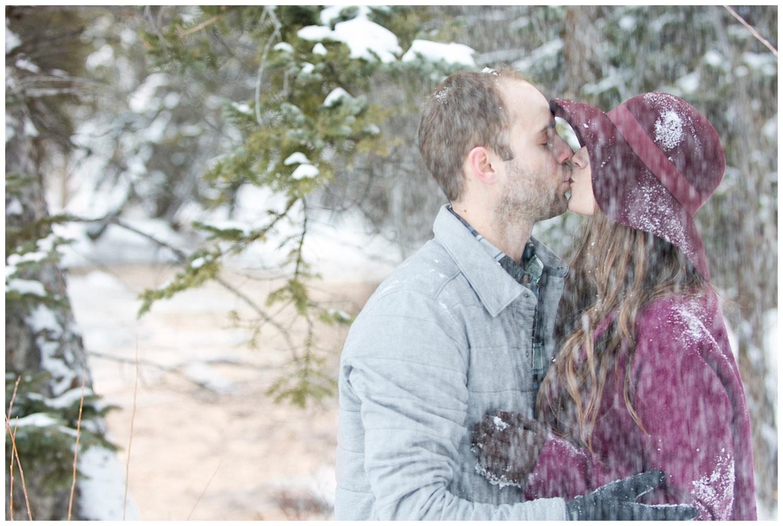 Breckenridge_Colorado_Engagement_Photographer_Ski_Resort_Mountain_Town_Photography_Engagement_Photos_006.jpg