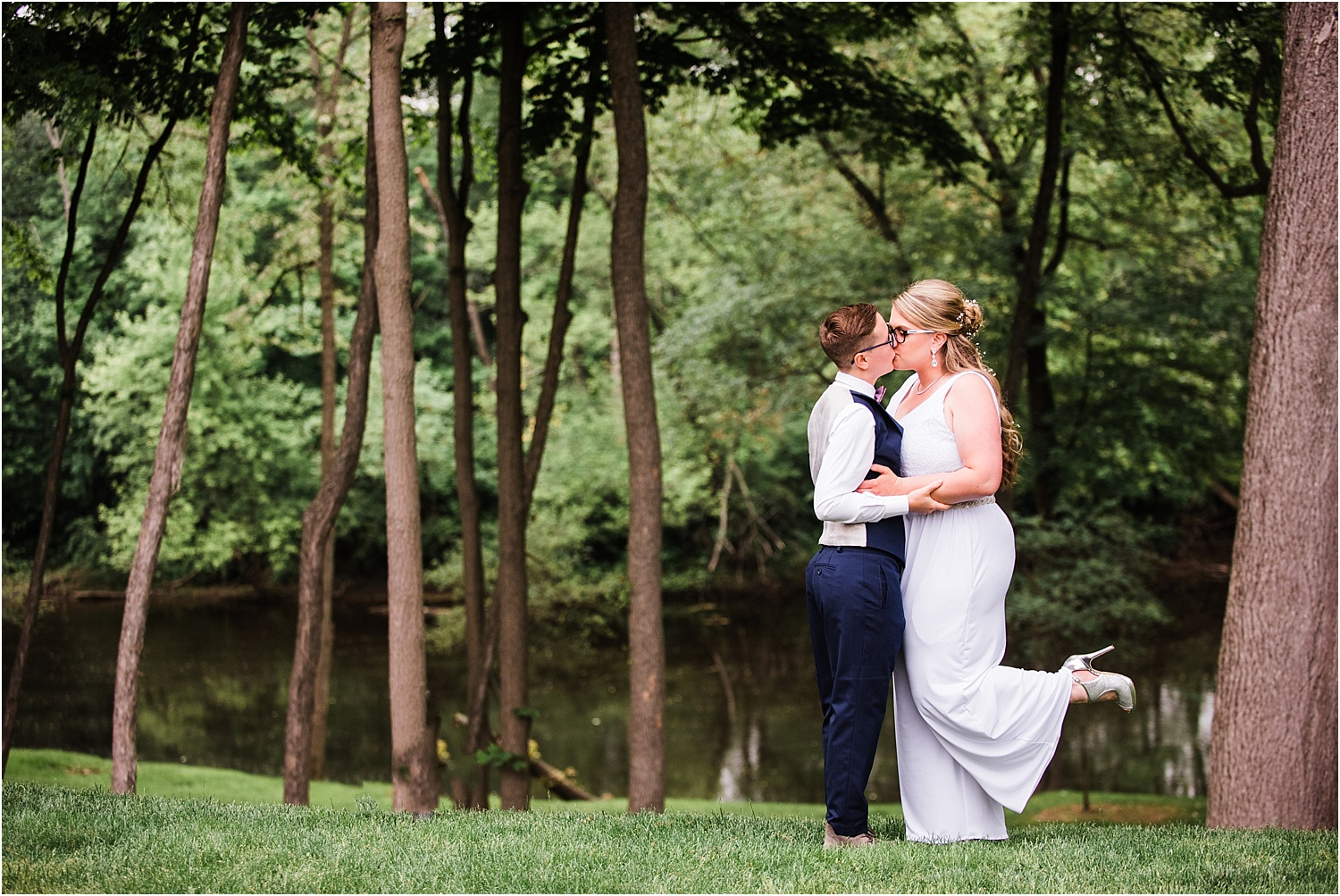 The_Riverview_Simsbury_Connecticut_Wedding_LGBT_Weddings_016.jpg