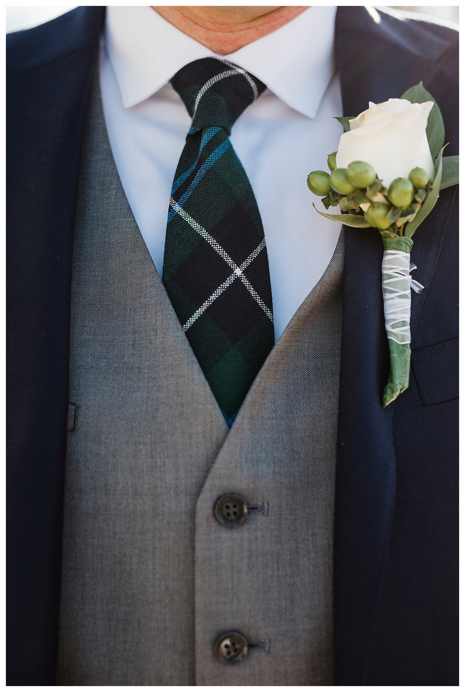 Tartan_Tie_The_Barn_At_Raccoon_Creek_Wedding_Apollo_Fields_018.jpg