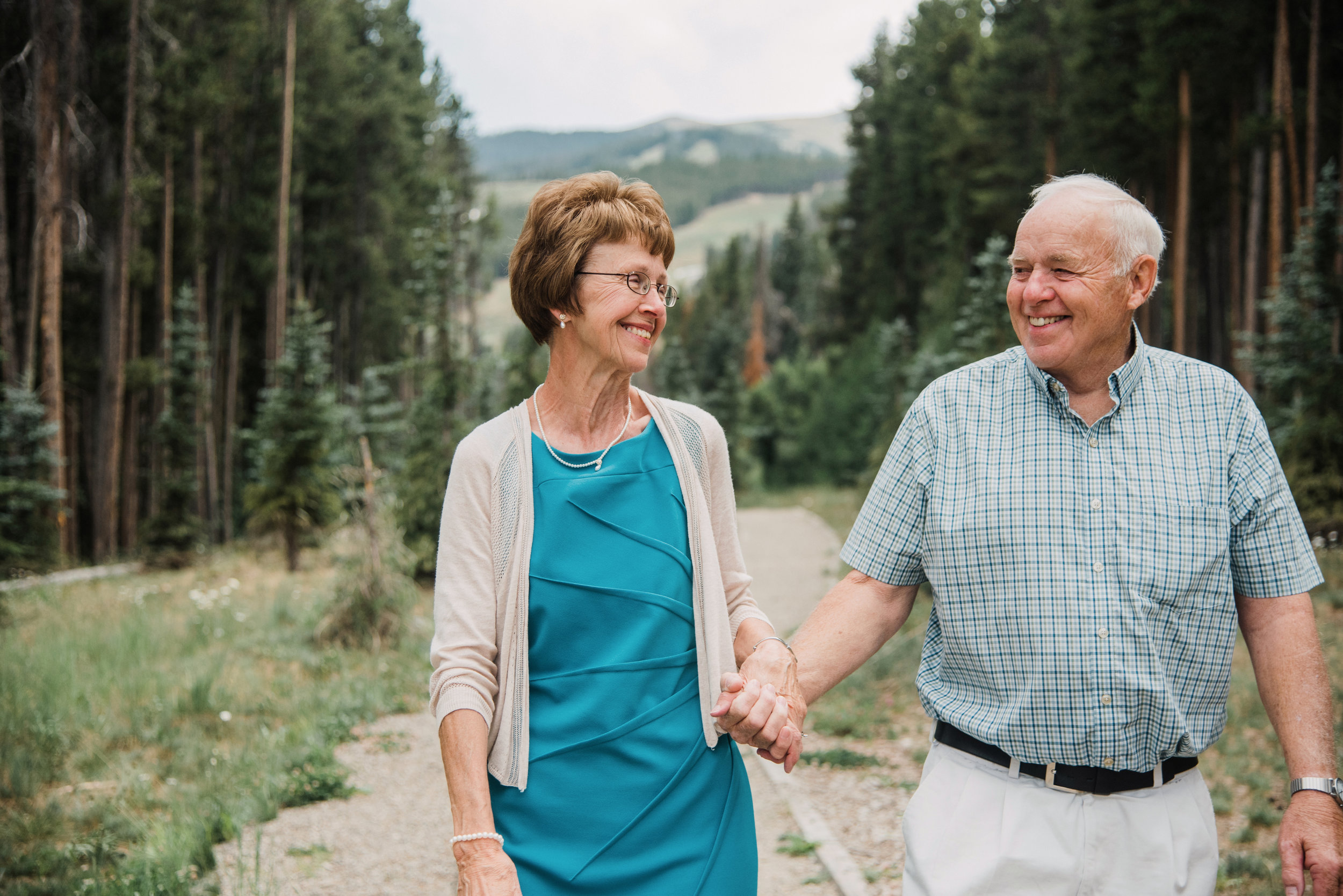 Grandparent_Engagement_Session_Family_Breckenridge_Apollo_Photo_44.jpg