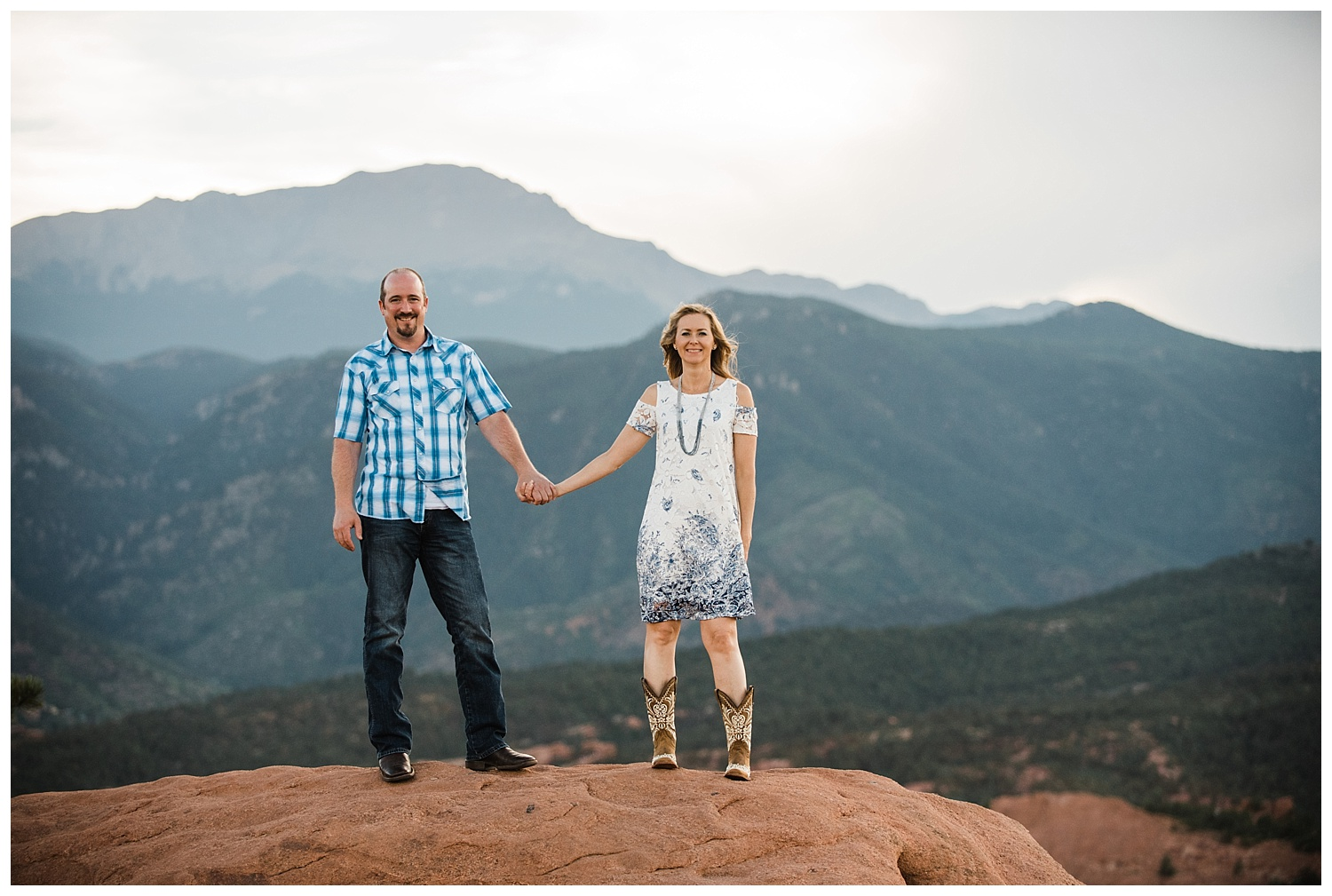 Garden_of_the_Gods_Engagement_Session_Colorado_Springs_Apollo_Fields_08.jpg
