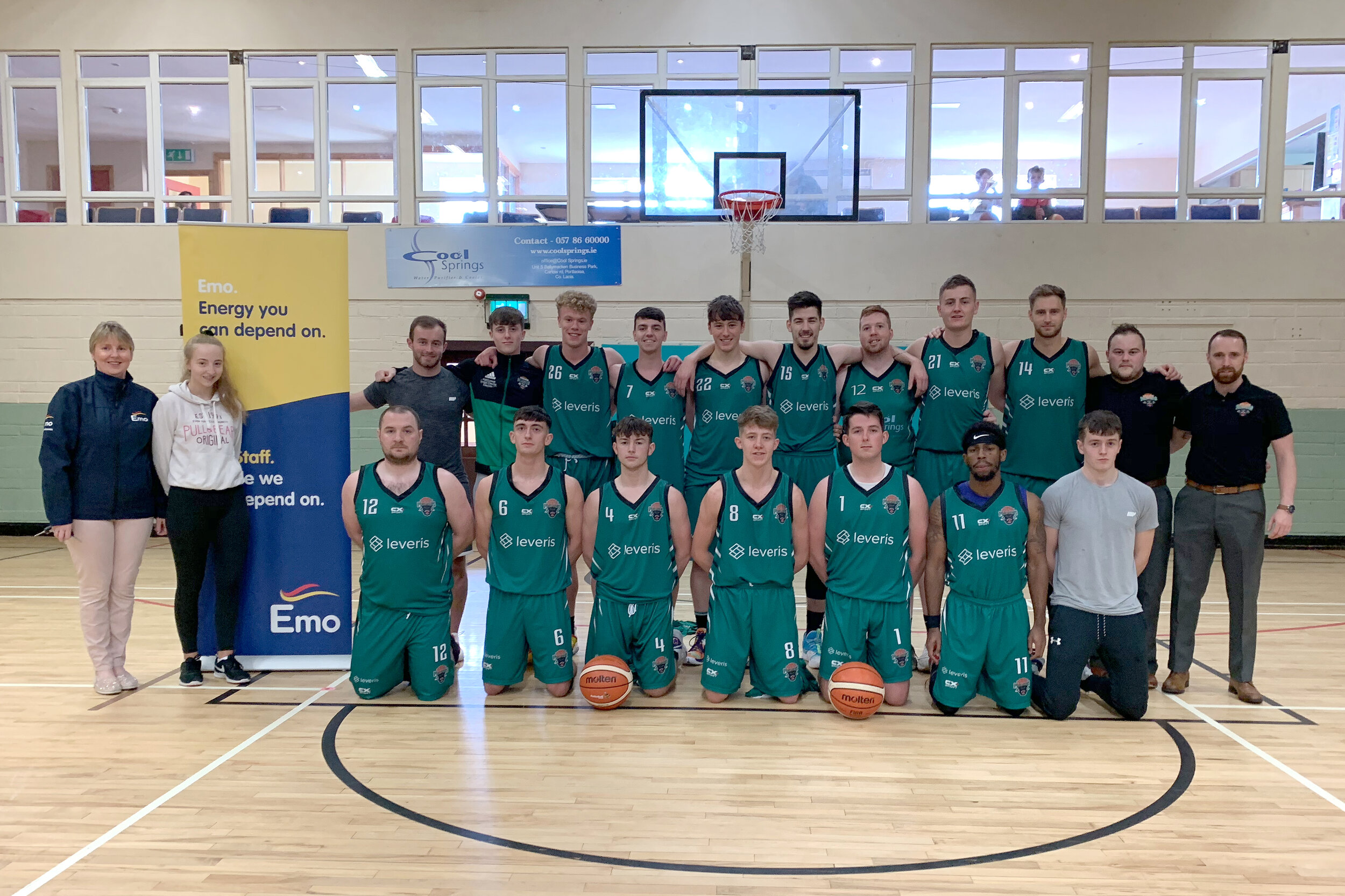 Panthers Men's team pictured with Anne and Áine Tierney for Emo Oil.jpg