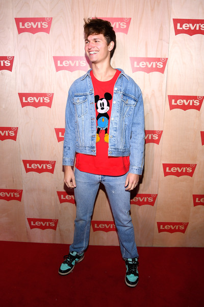Levi+Times+Square+Store+Opening+AdQ6VLco_MZl.jpg