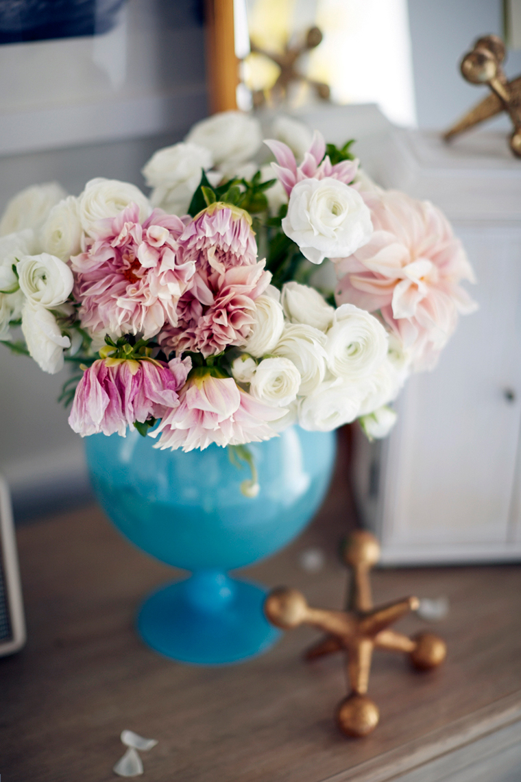 shaunsullivan_pbflowersinbluvase_poppycreativeagency.jpg