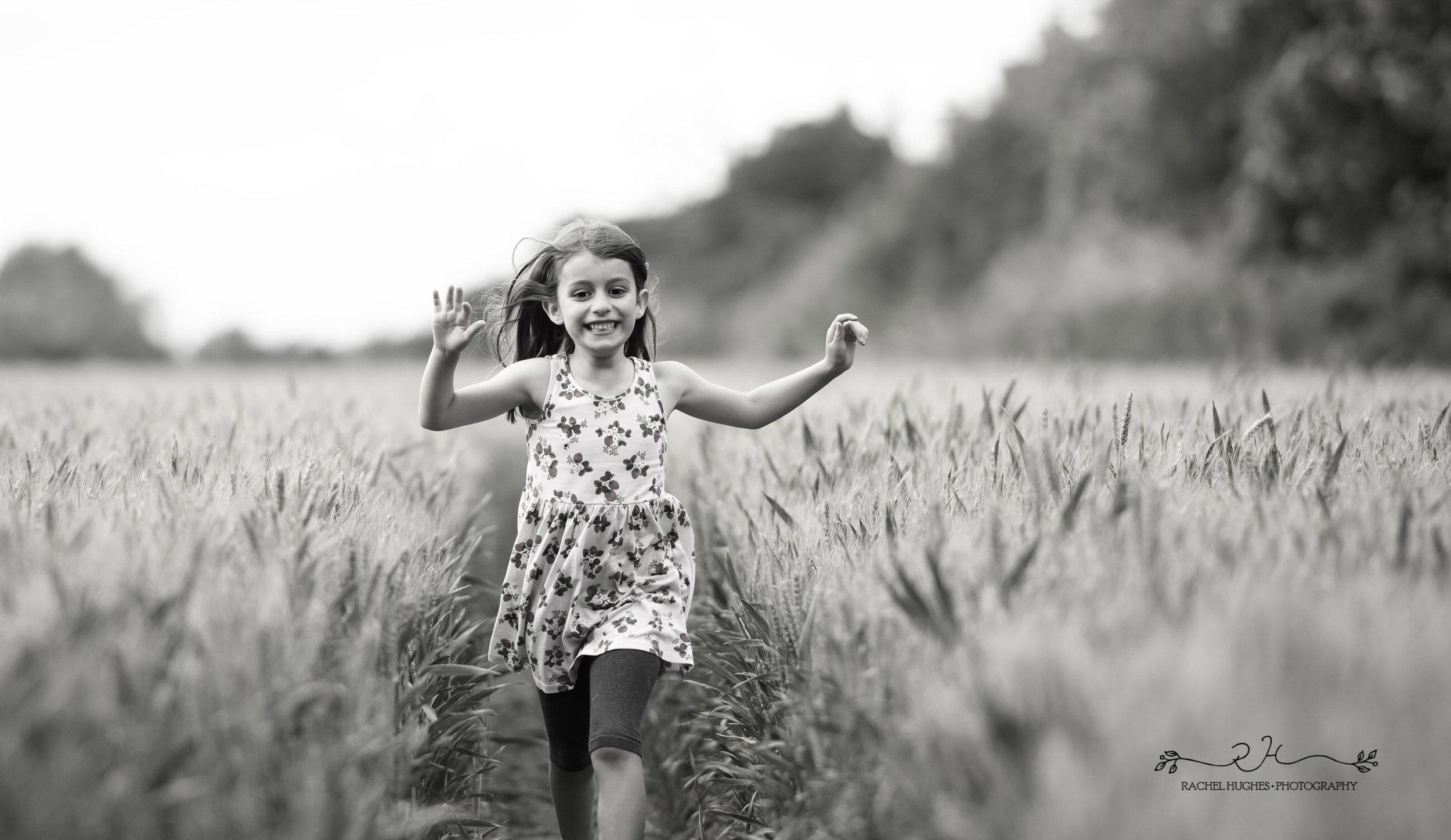 Jersey photographer - family photoshoot in cornfield
